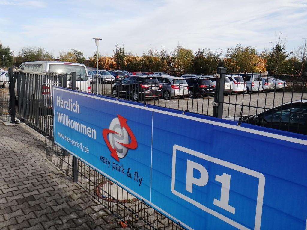 Parkplatz am Flughafen Dresden