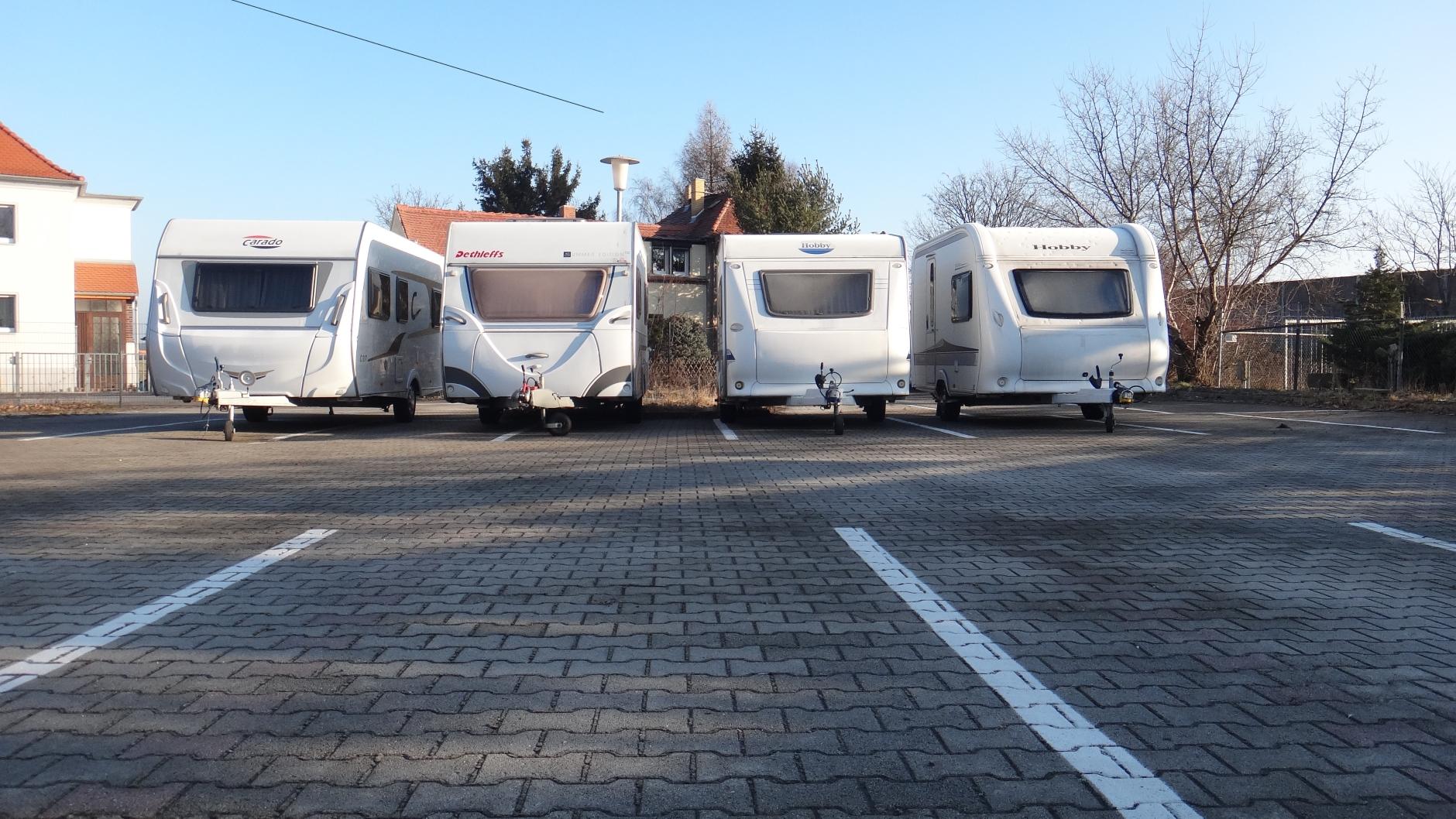 Wohnmobile und Wohnanhänger richtig überwintern  Parken Flughafen